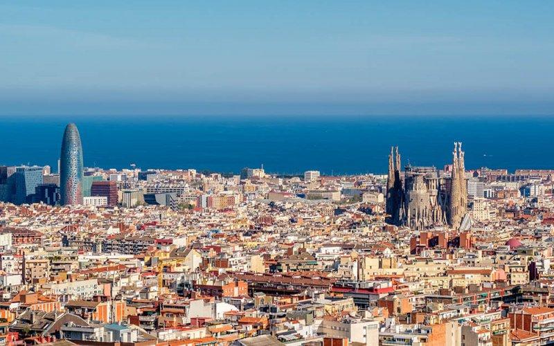 Bezoek de Sagrada Familia in bruisend Barcelona